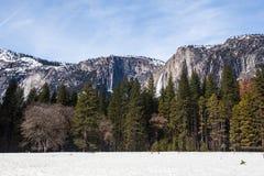 Queda de Yosemite no inverno Imagens de Stock Royalty Free