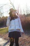 Queda, menina bonita asiática nova 2 do outono fotos de stock
