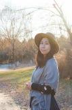 Queda, mulher asiática nova 2 do outono fotos de stock royalty free