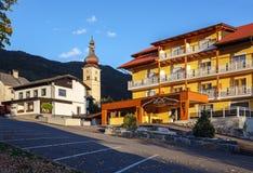 Queda na vila alpina Obermillstatt Áustria foto de stock