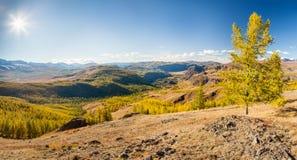 Queda nas montanhas Panorama da paisagem Fotografia de Stock Royalty Free