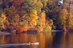 Queda no lago imagens de stock royalty free