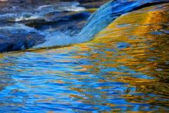 Quedas Autumn Abstract da ligação da parte superior foto de stock