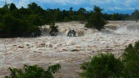 Quedas de Mekong - a cachoeira a maior em 3Sudeste Asiático vídeos de arquivo