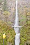 Quedas de Multnomah e Benson Footbridge Oregon OU E.U. foto de stock royalty free