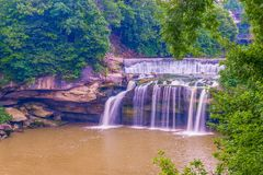 Quedas do leste do rio preto no parque da cascata Eliria ohio EUA fotos de stock