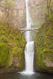 Quedas e Benson Footbridge de Multnomah foto de stock royalty free