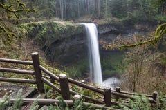 Quedas sul em Oregon imagem de stock