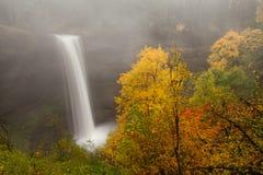 Quedas sul no parque estadual de prata das quedas em Oregon fotos de stock