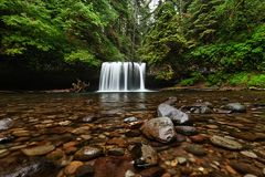 Quedas superiores da angra do montículo, Oregon foto de stock royalty free