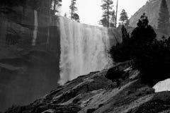 Quedas Vernal em Yosemite imagem de stock royalty free