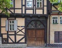 Quedlinburg, parte en dos la casa enmaderada Fotos de archivo libres de regalías
