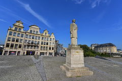 Queen Elisabeth of Belgium statue made by Rene Cliquet Stock Photos