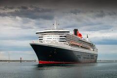 Queen Mary 2 Imágenes de archivo libres de regalías