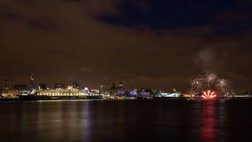 Queen Mary 2 angelegt auf der Liverpool-Ufergegend Stockfotos