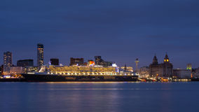 Queen Mary 2 Berthed on the Liverpool Waterfront Stock Photography