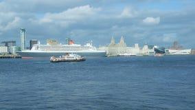 Queen Mary 2 celebra l'anniversario 175 di Cunard Immagine Stock