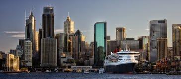 Queen Mary 2 en Sydney Imagenes de archivo