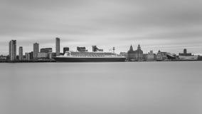 Queen Mary 2 feiert Jahrestag 175 von Cunard Lizenzfreie Stockfotos
