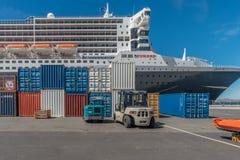 Queen Mary 2 meisjereis aan Hobart, Tasmanige, Australië Royalty-vrije Stock Foto's