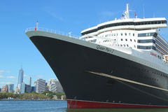 Queen Mary 2 statek wycieczkowy dokujący w Brooklyn Obraz Stock