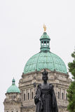 Queen Victoria and George Vancouver statues, British Columbia Parliament Building Stock Images