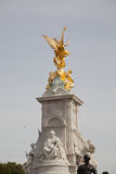 Queen victoria statue - buckingham palace Stock Images