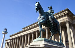Queen Victoria Statue outside St. George's Hall in Liverpool Stock Images
