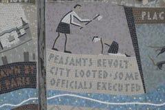 Queenhithe-Mosaik entlang der Nordbank der Themse stockfotos