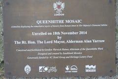Queenhithe mosaik längs den norr banken av Themsen Royaltyfria Bilder