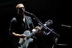 Queens du concert de l'âge de pierre (groupe de rock américain de Palm Desert, de Californie) au festival 2013 de BOBARD Image libre de droits