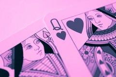 Queens van spades en hartenkaartmacro, fortuin-vertellende kaarten M stock foto