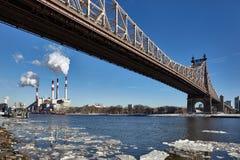 Queensboro bro i vinter, New York arkivfoto