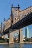 Queensboro & x28; Ed Koch& x29; Bro från Manhattan Arkivfoto