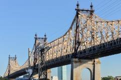 Queensboro & x28; Ed Koch& x29; Ponte de Manhattan Foto de Stock