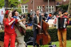 Queensday i Amsterdam arkivbilder