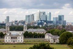 Queenshuis met de horizon van Canary Wharf Stock Foto's