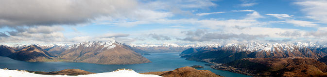Queenstown et le Remarkables Photographie stock libre de droits