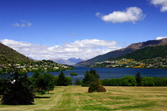 Queenstown and lake Wakatipu Royalty Free Stock Images