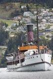 QUEENSTOWN, NZ - 12-ОЕ НОЯБРЯ: TSS Earnslaw 15-ого ноября 2014 Оно дальше Стоковая Фотография RF