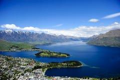 Queenstown och Lake Wakatipu Arkivbild