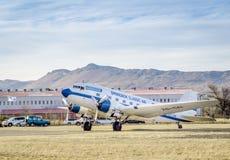 QUEENSTOWN, POŁUDNIOWA AFRYKA - 17 2017 Czerwiec: Rocznika Douglas DC 3 Da Obrazy Royalty Free
