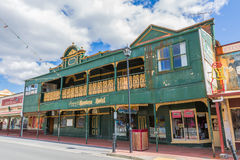 Queenstown Tasmânia: Hotel dos caçadores fotos de stock