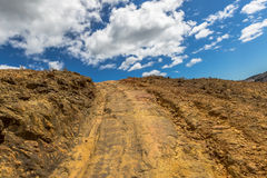 Queenstown Tasmanien: Schotterstraße Lizenzfreies Stockfoto