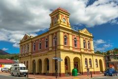 Queenstown Tasmanien: Stolpe - kontor arkivfoto