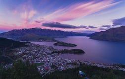Queenstown widok z lotu ptaka w ranku nowe Zelandii zdjęcia stock