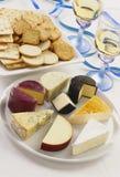 Queijo e biscoitos Fotografia de Stock