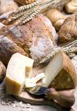 Queijo e pão Fotografia de Stock Royalty Free