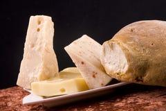 Queijo e pão Imagem de Stock Royalty Free