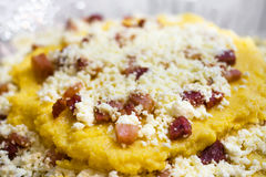 Queijo e polenta Fotos de Stock Royalty Free